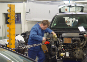 Renault-Vertragspartner Schmaedicke mit typenoffener Werkstatt